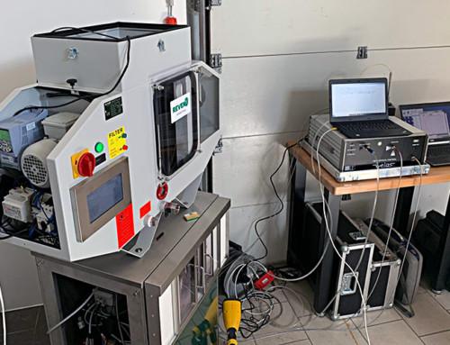REVEN XSC control pentru separatoare de ceață de ulei cu măsurare integrată a particulelor